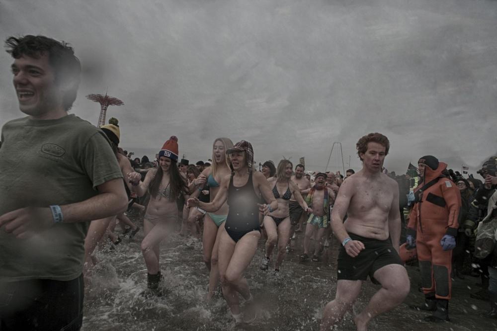 Art and Documentary Photography - Loading 2014-polar-bear-plunge-0022.jpg