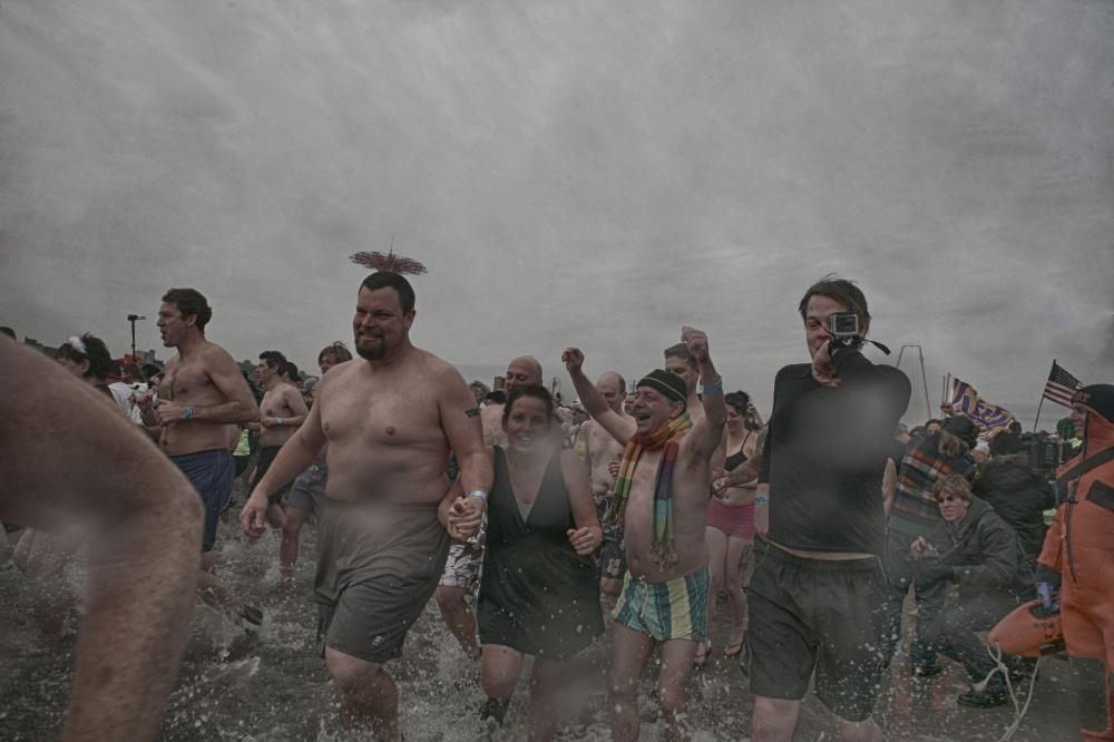 Art and Documentary Photography - Loading 2014-polar-bear-plunge-0018.jpg