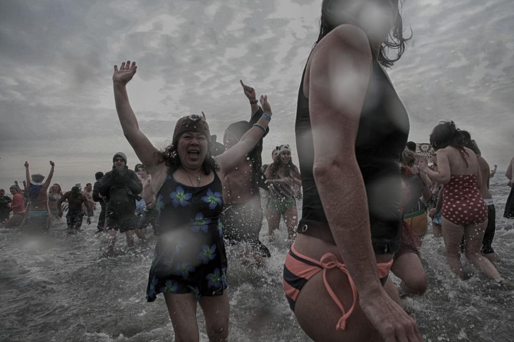Art and Documentary Photography - Loading 2014-polar-bear-plunge-0013.jpg