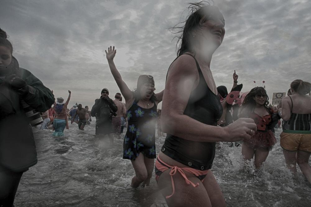 Art and Documentary Photography - Loading 2014-polar-bear-plunge-0010.jpg