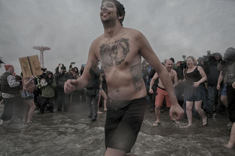 Art and Documentary Photography - Loading 2014-polar-bear-plunge-008.jpg