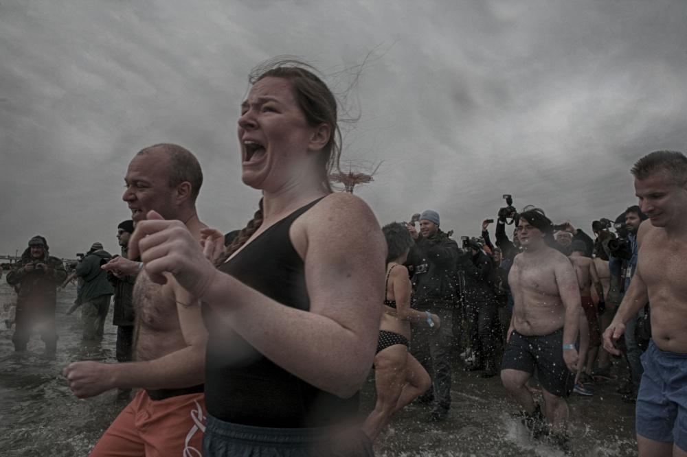 Art and Documentary Photography - Loading 2014-polar-bear-plunge-007.jpg