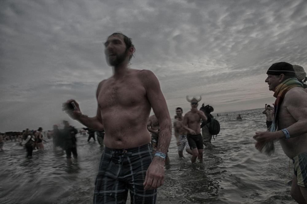 Art and Documentary Photography - Loading 2014-polar-bear-plunge-002.jpg