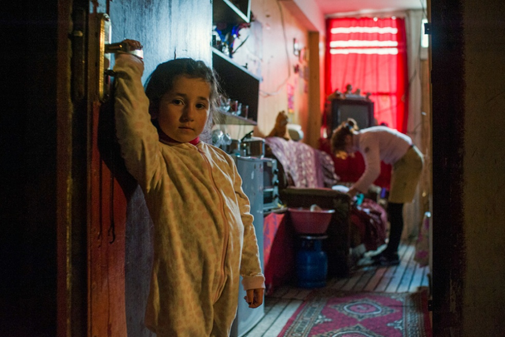Art and Documentary Photography - Loading 23.Ana.standing.by.the.door.waiting.for.her.mother.jpg