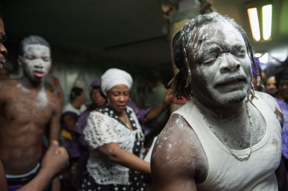 Art and Documentary Photography - Loading Vodou_004.JPG