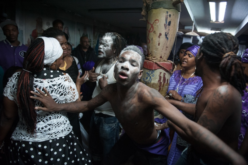 Art and Documentary Photography - Loading Vodou_009.JPG