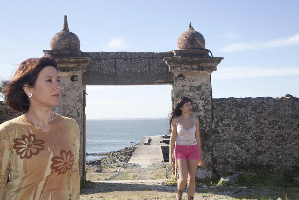 Art and Documentary Photography - Loading 29_Isla de Flores II.jpg
