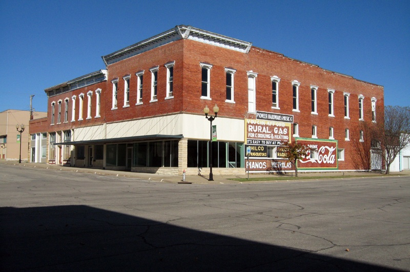 Photography image - Loading 8. Burlington, Kansas, October 26, 2008, Main Street.jpg