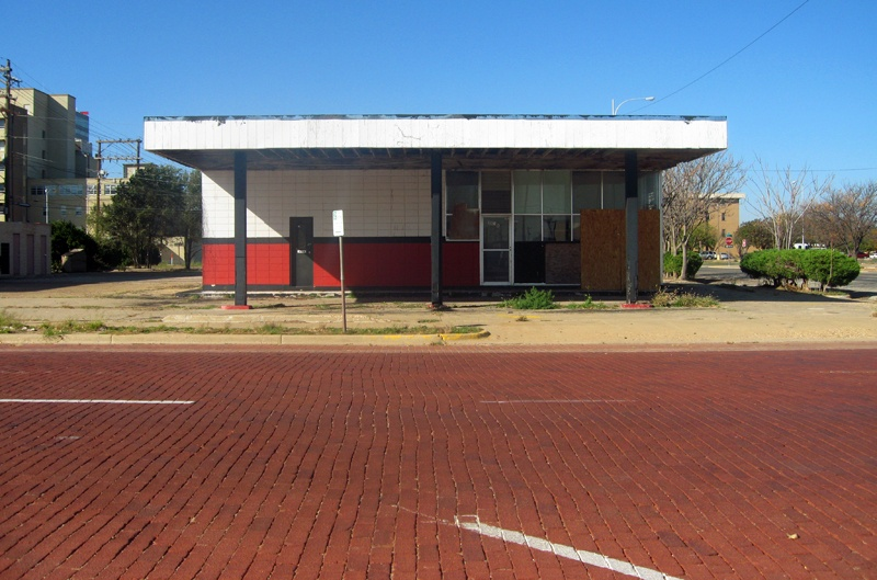 Art and Documentary Photography - Loading 19. Lubbock, Texas, November 4, 2008, abandonned building.jpg