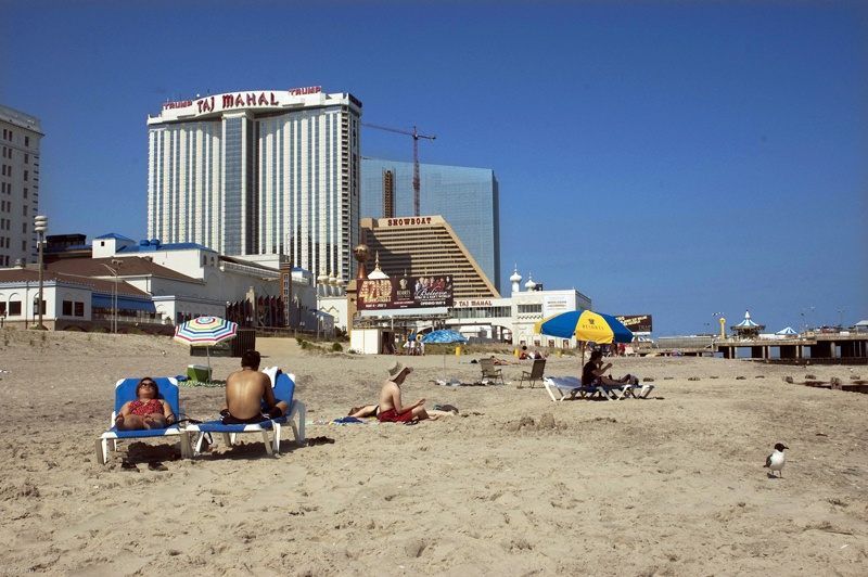 Art and Documentary Photography - Loading 23. Atlantic City, New Jersey, June 6, 2011.jpg