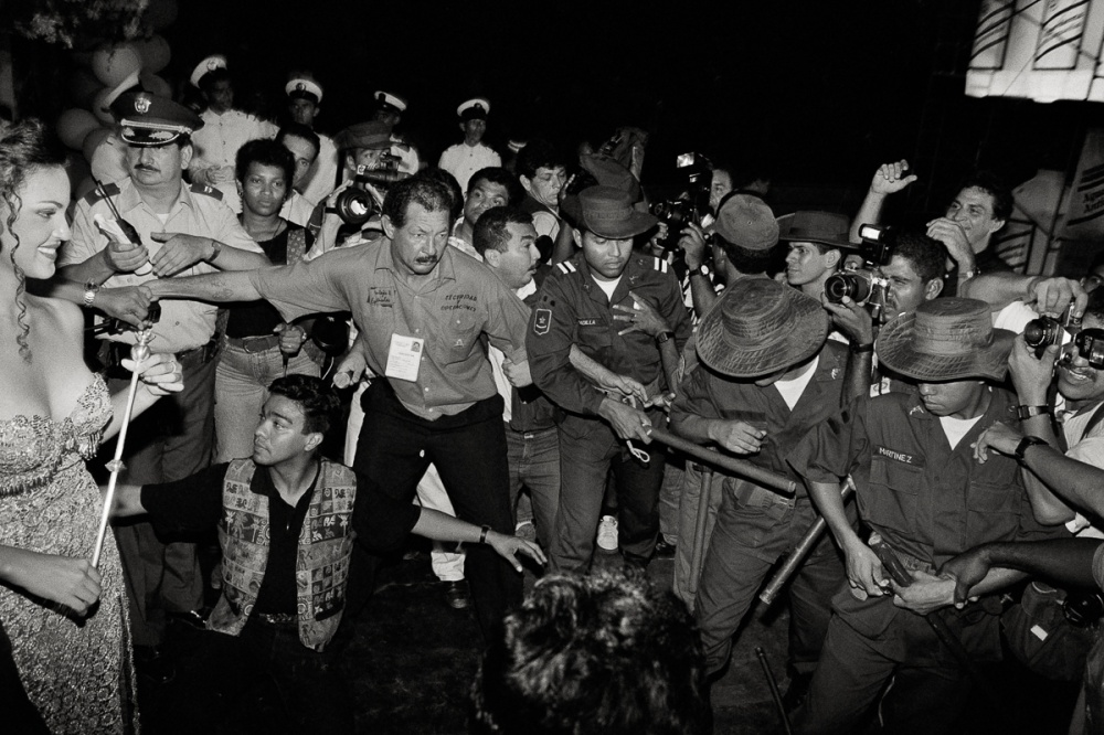 Art and Documentary Photography - Loading Colombia_Pageant-015.jpg