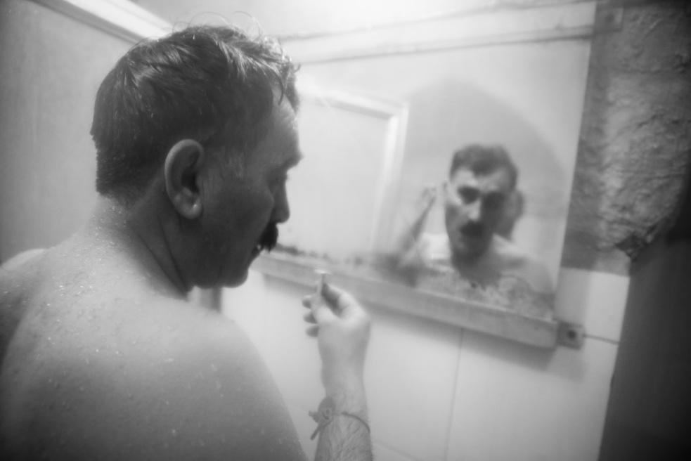 Art and Documentary Photography - Loading Public bathing siamak ebrahimi (10).jpg