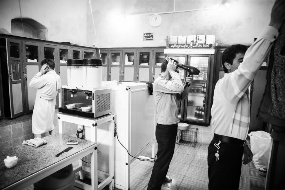 Art and Documentary Photography - Loading Public bathing siamak ebrahimi (3).jpg