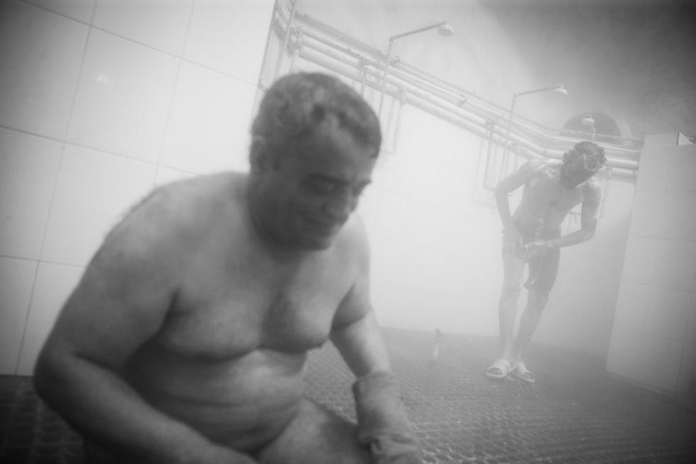 Art and Documentary Photography - Loading Public bathing siamak ebrahimi (5).jpg