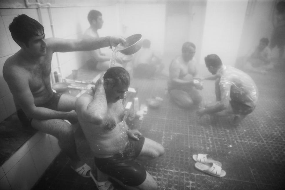 Art and Documentary Photography - Loading Public bathing siamak ebrahimi (7).jpg