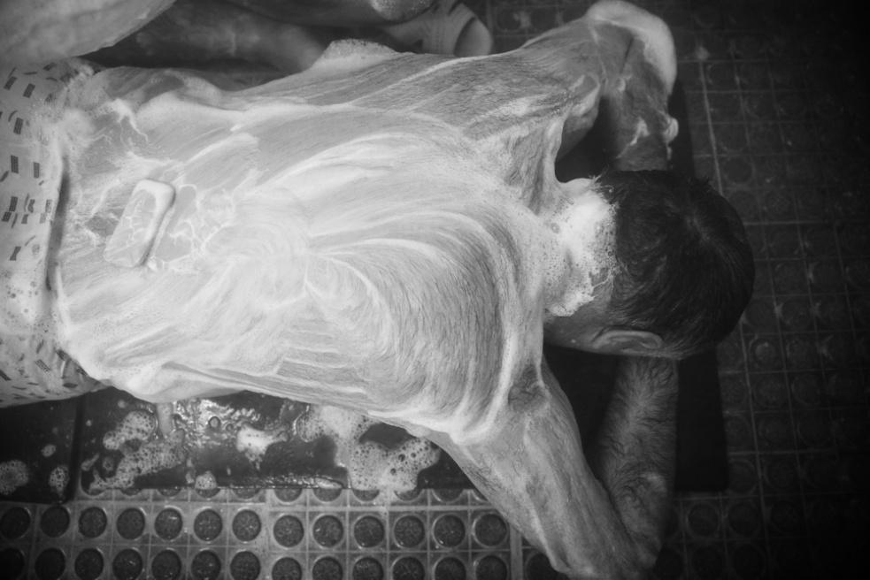Art and Documentary Photography - Loading Public bathing siamak ebrahimi (9).jpg