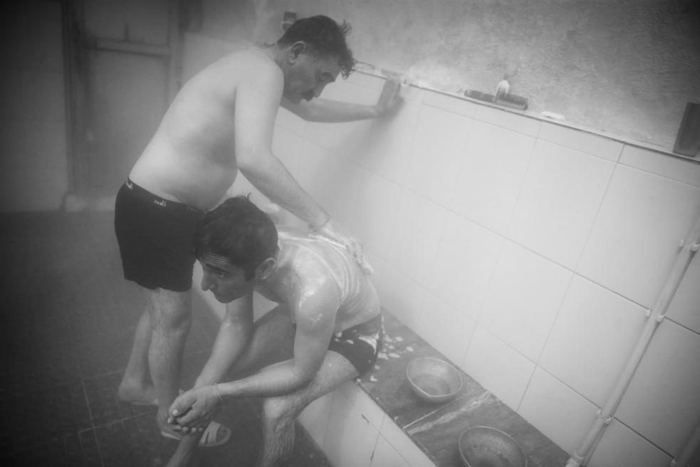 Art and Documentary Photography - Loading Public bathing siamak ebrahimi (21).jpg