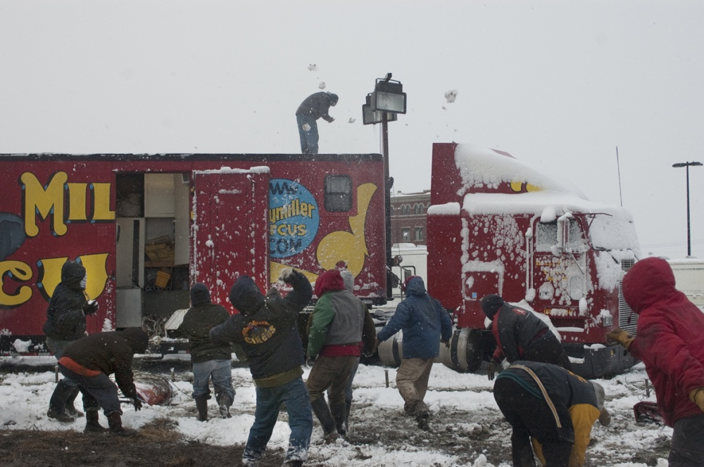 Art and Documentary Photography - Loading snow fight crew.jpg