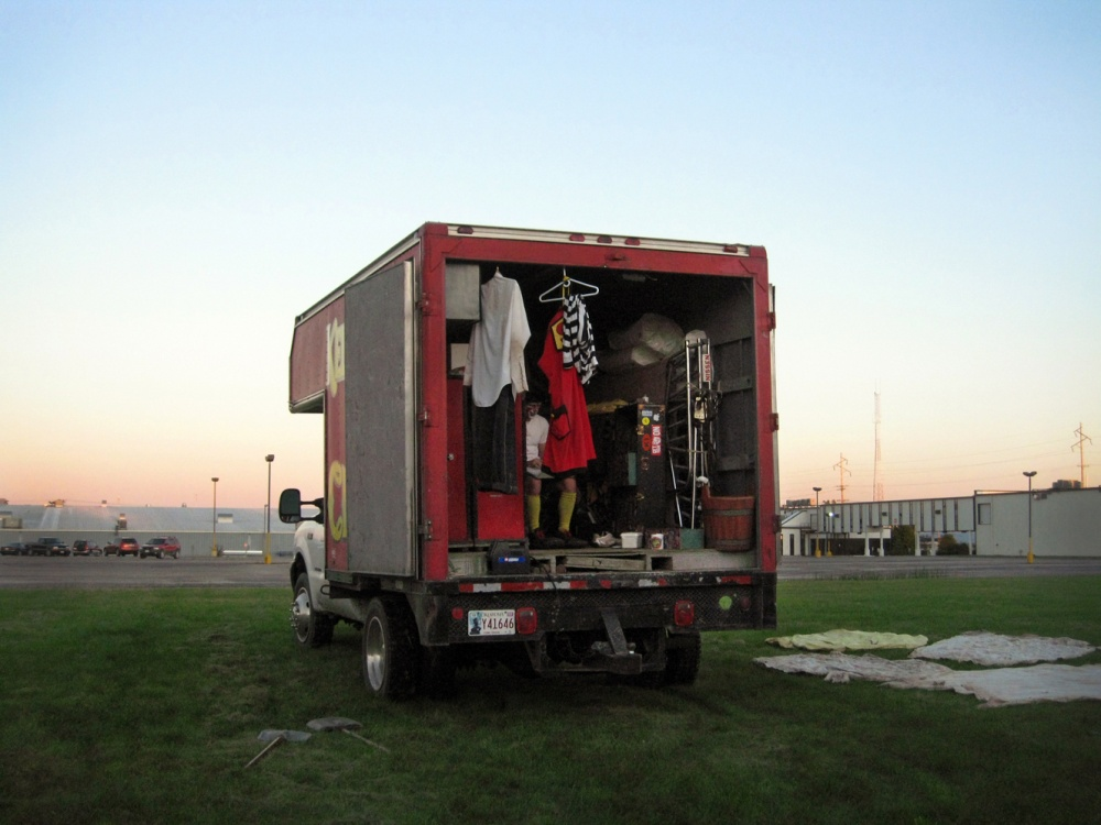 Art and Documentary Photography - Loading clown alley2.jpg
