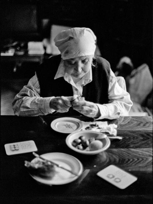 Art and Documentary Photography - Loading 03:Azerbaijan:Mark.Rafaelov:Inessa.eats.fruits.alone.jpg