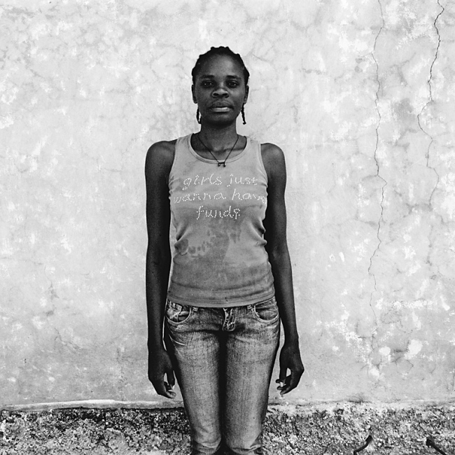 Art and Documentary Photography - Loading TianaMarkova-Gold_Haiti_FJHO_08.jpg