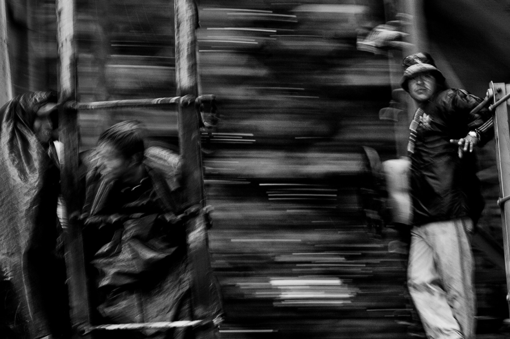 Art and Documentary Photography - Loading Migrations_LL_006.JPG