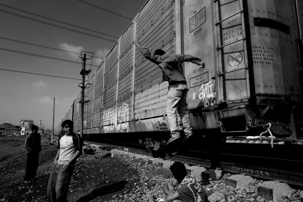Art and Documentary Photography - Loading Migrations_LL_007.JPG