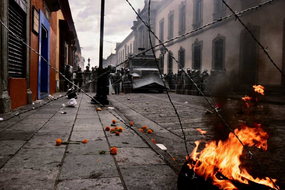 Art and Documentary Photography - Loading OAXACACONFLICTJOOP_KO005.JPG