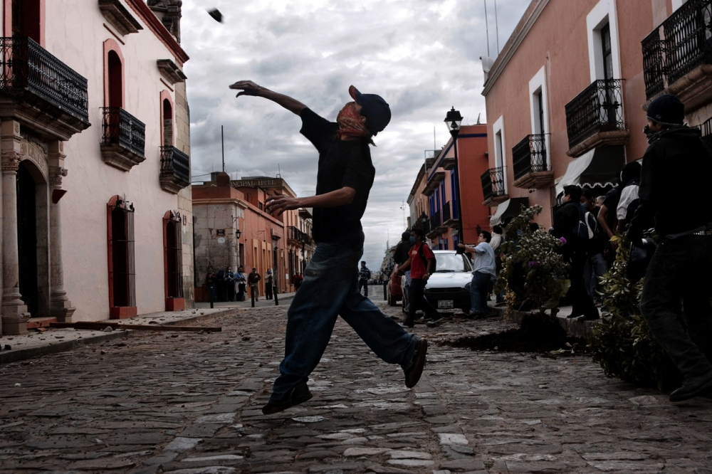 Art and Documentary Photography - Loading OAXACACONFLICTJOOP_KO013.JPG