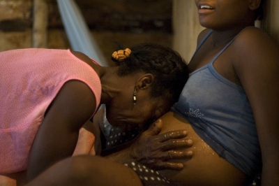Afro-Colombian Midwives  - Photography project by Joana Toro