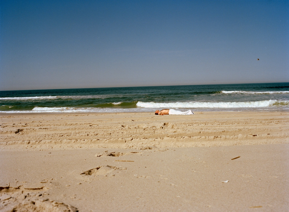 Art and Documentary Photography - Loading beach_horizon_clean.jpg