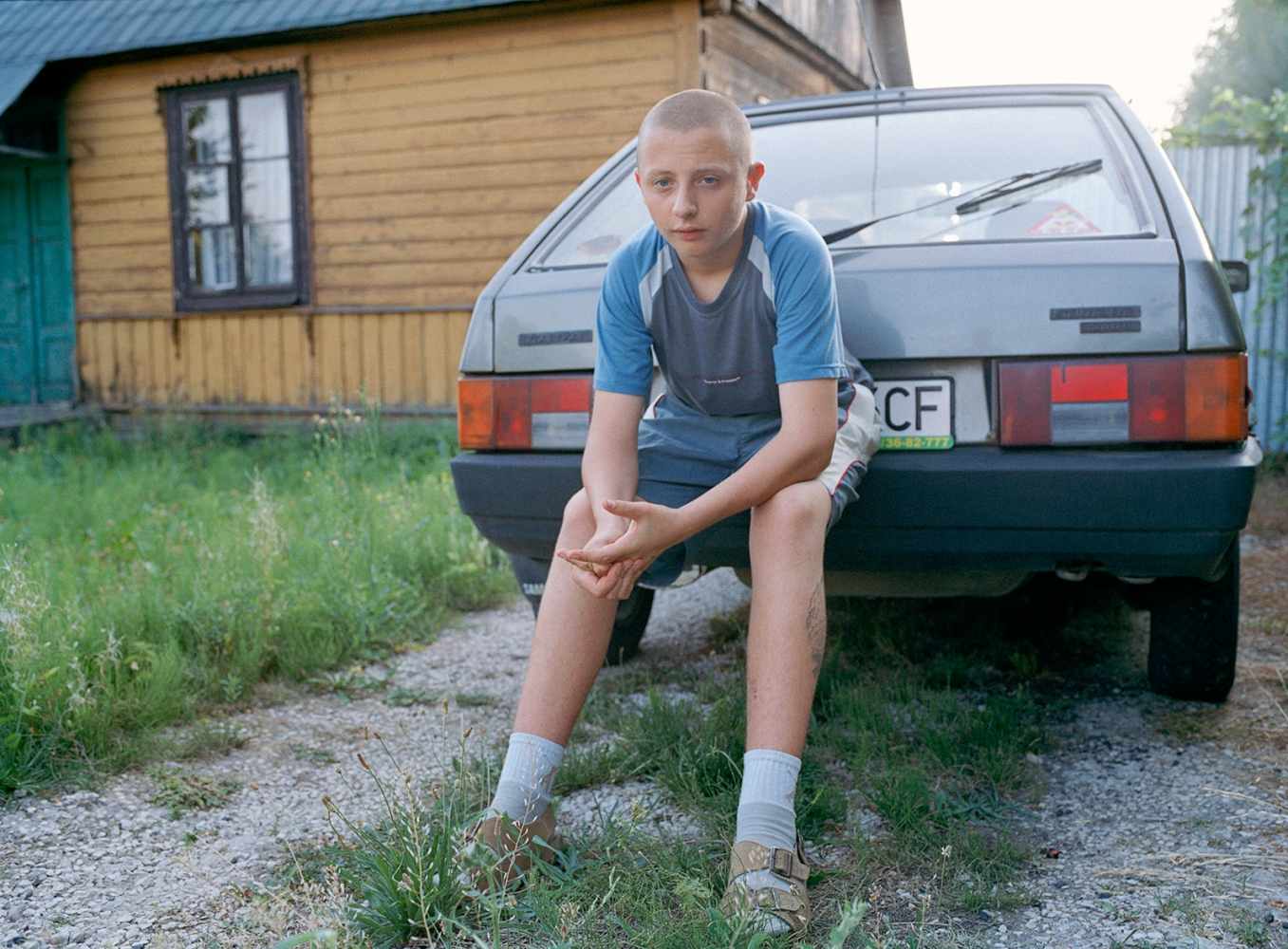 Art and Documentary Photography - Loading 5_boy_car.jpg