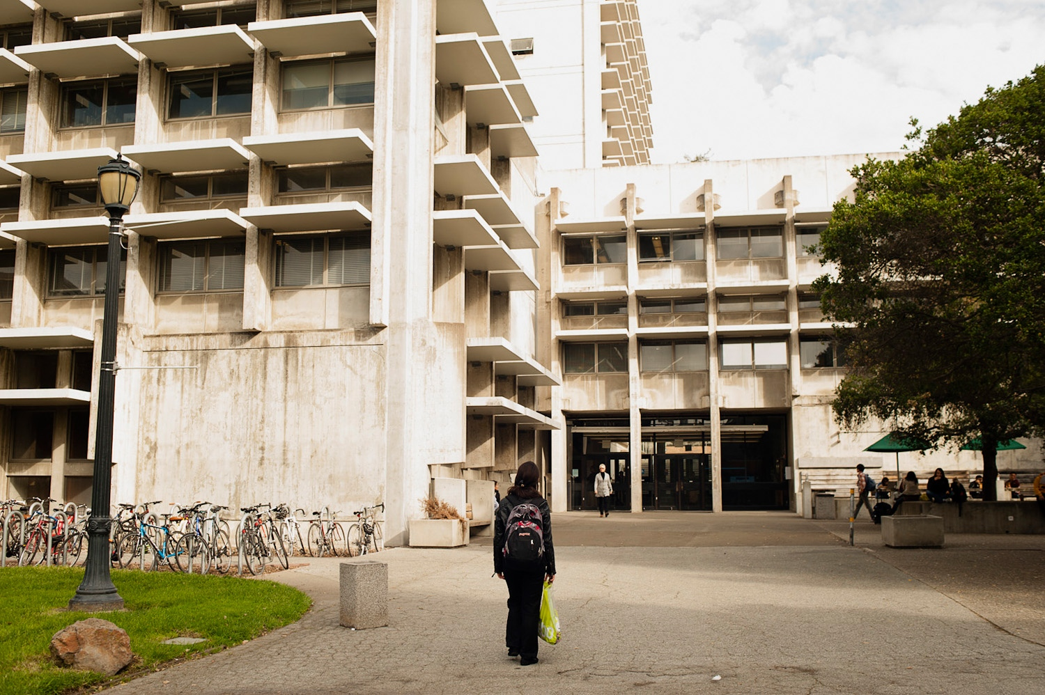 BERKELEY, UNITED STATES - 14/11/12 – Parmida walks to her department at the University of Berkeley where she is studying to obtain a degree in architecture.