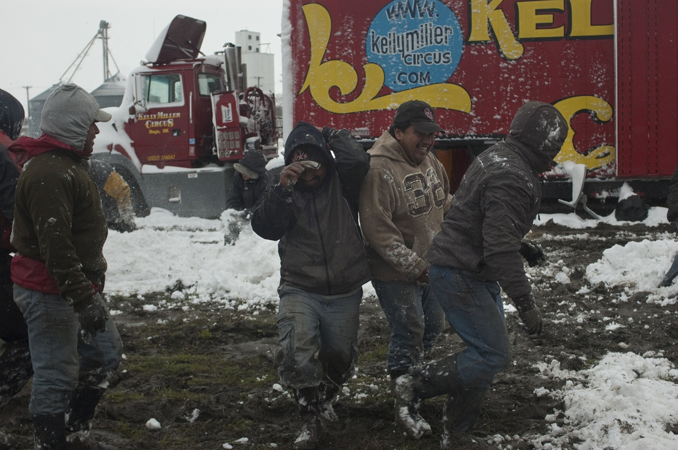 Art and Documentary Photography - Loading snow fight crew#5.jpg
