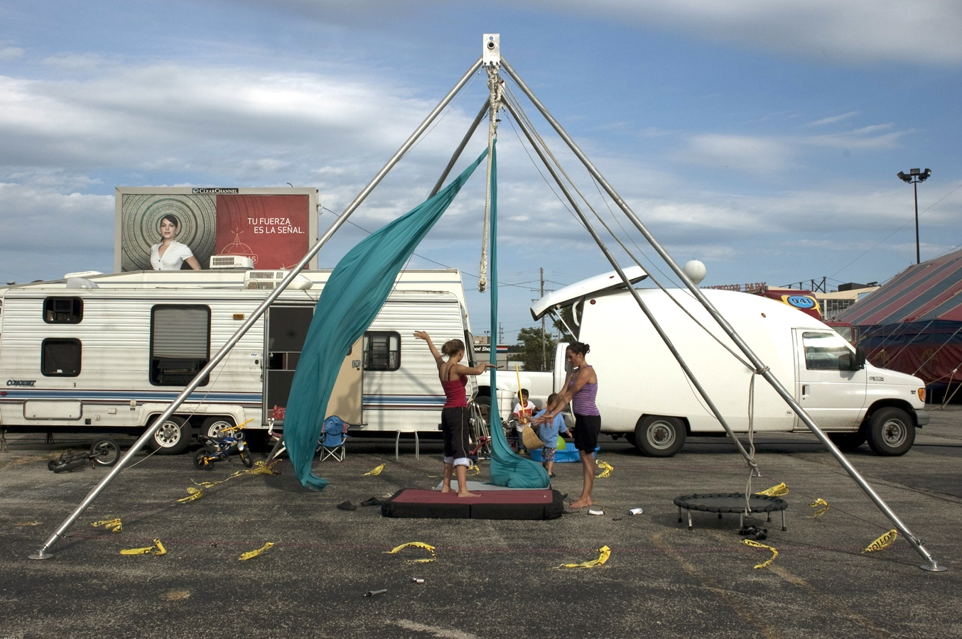 Art and Documentary Photography - Loading trapeze#3.jpg