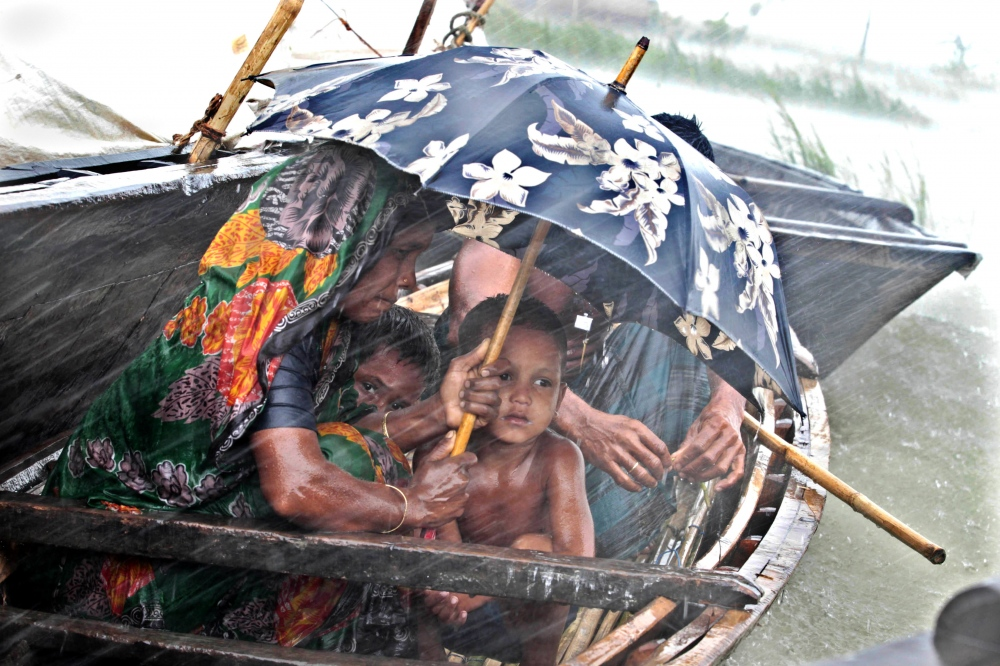 Photography image - Loading FLOOD EFFECTED CHILDREN.jpg