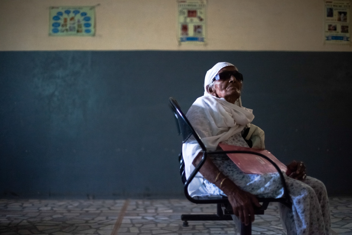 An Indian patient waits to undergo an eye examination at the Dr Shroff Charity Eye Hospital in Alwar in the state of Rajasthan on August 28, 2014.