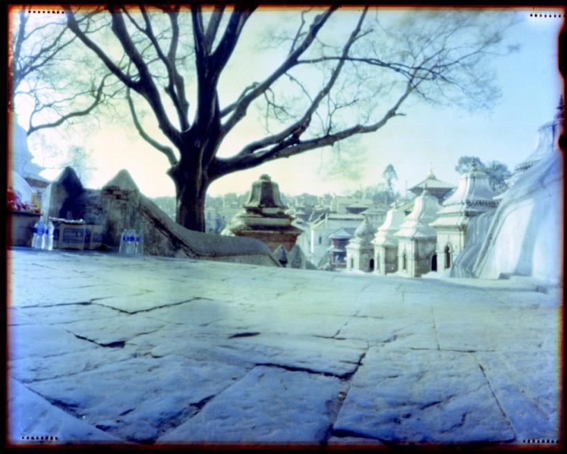 Art and Documentary Photography - Loading Nepal Pashupatinath 2009 .jpg