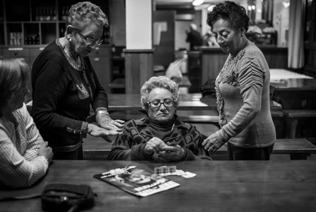 Art and Documentary Photography - Loading Alzheimer10b&w.jpg