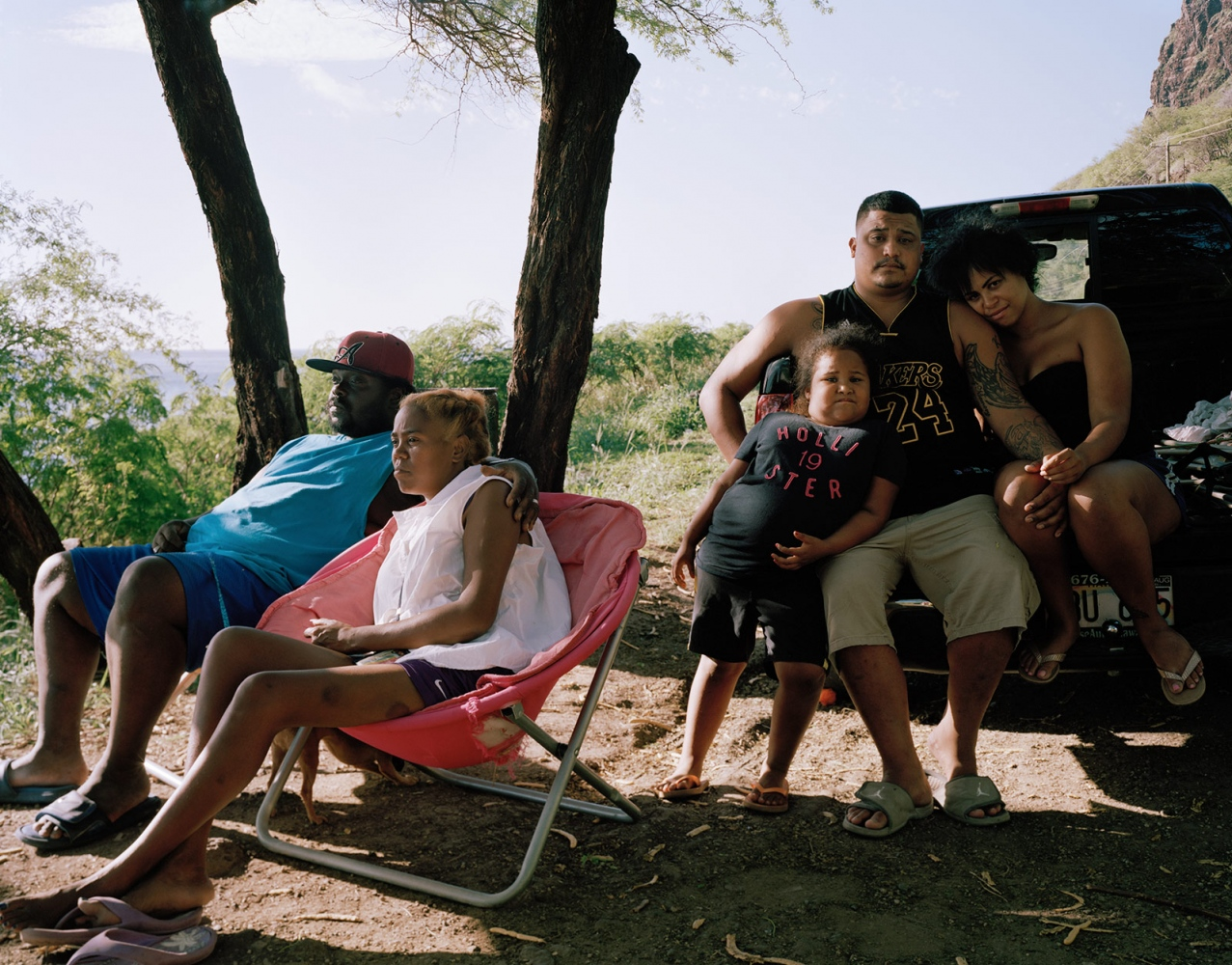 Untitled (Family on Westside), Hawaii 2014