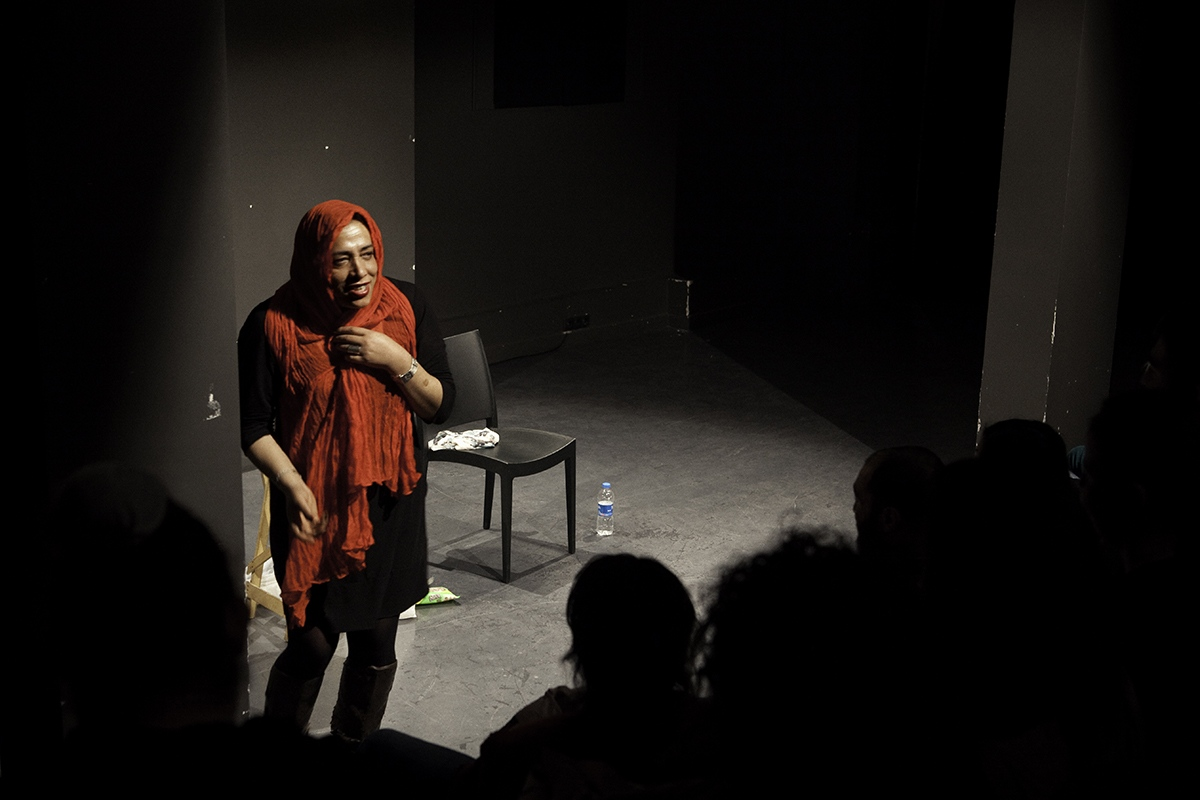 Esmeray has achieved to live away from the marginal environments she found at her arrival in Istanbul. Now she writes columns in several newspapers, and act as a stage actress, with a comedy based on her own life.