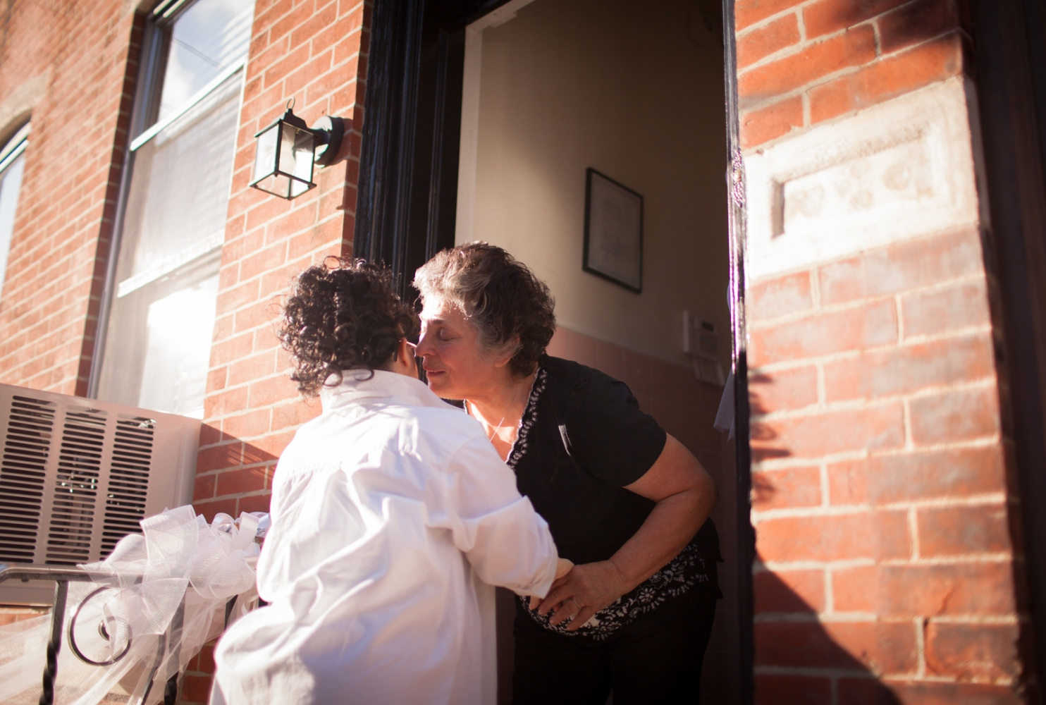 Ricchina's Aunt Connie greets her at the door in tears, overwhelmed by her transformation.