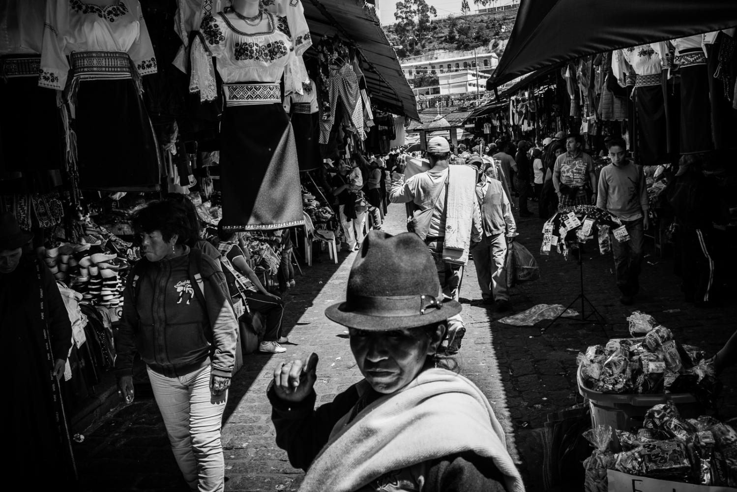 Art and Documentary Photography - Loading guerra_mercado_07.jpg