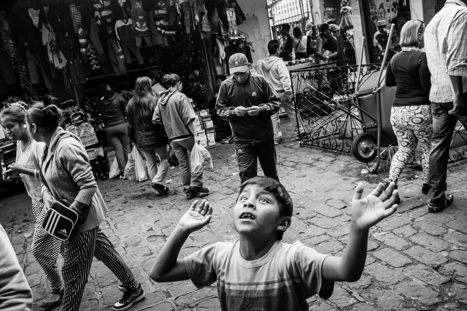 Art and Documentary Photography - Loading guerra_mercado_11.jpg