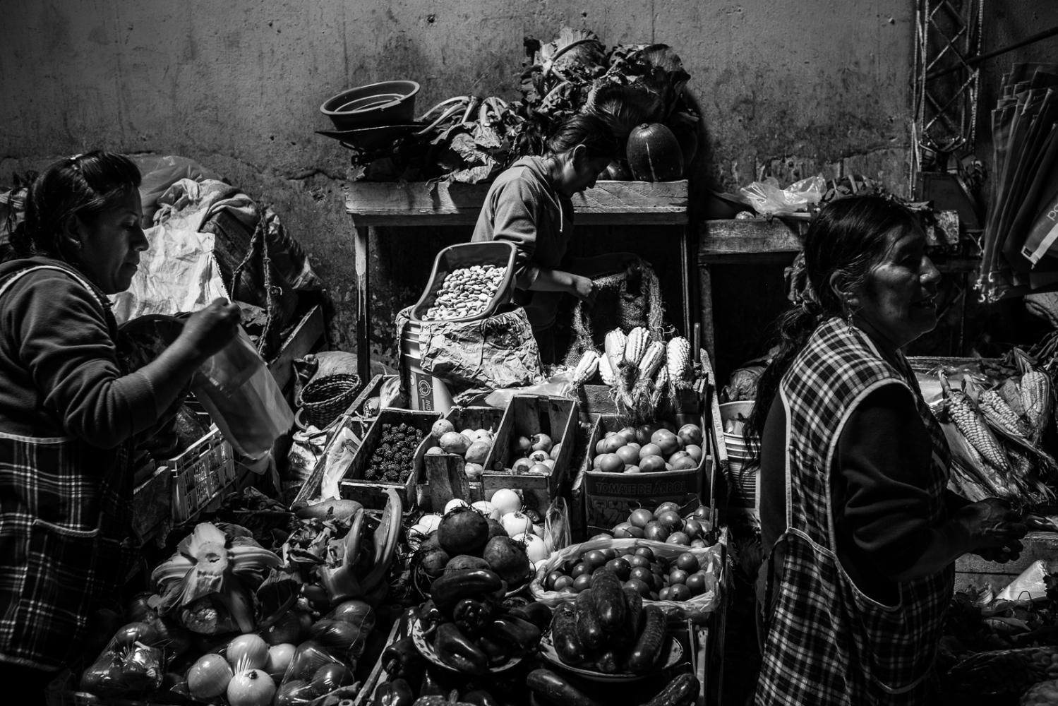 Art and Documentary Photography - Loading guerra_mercado_16.jpg