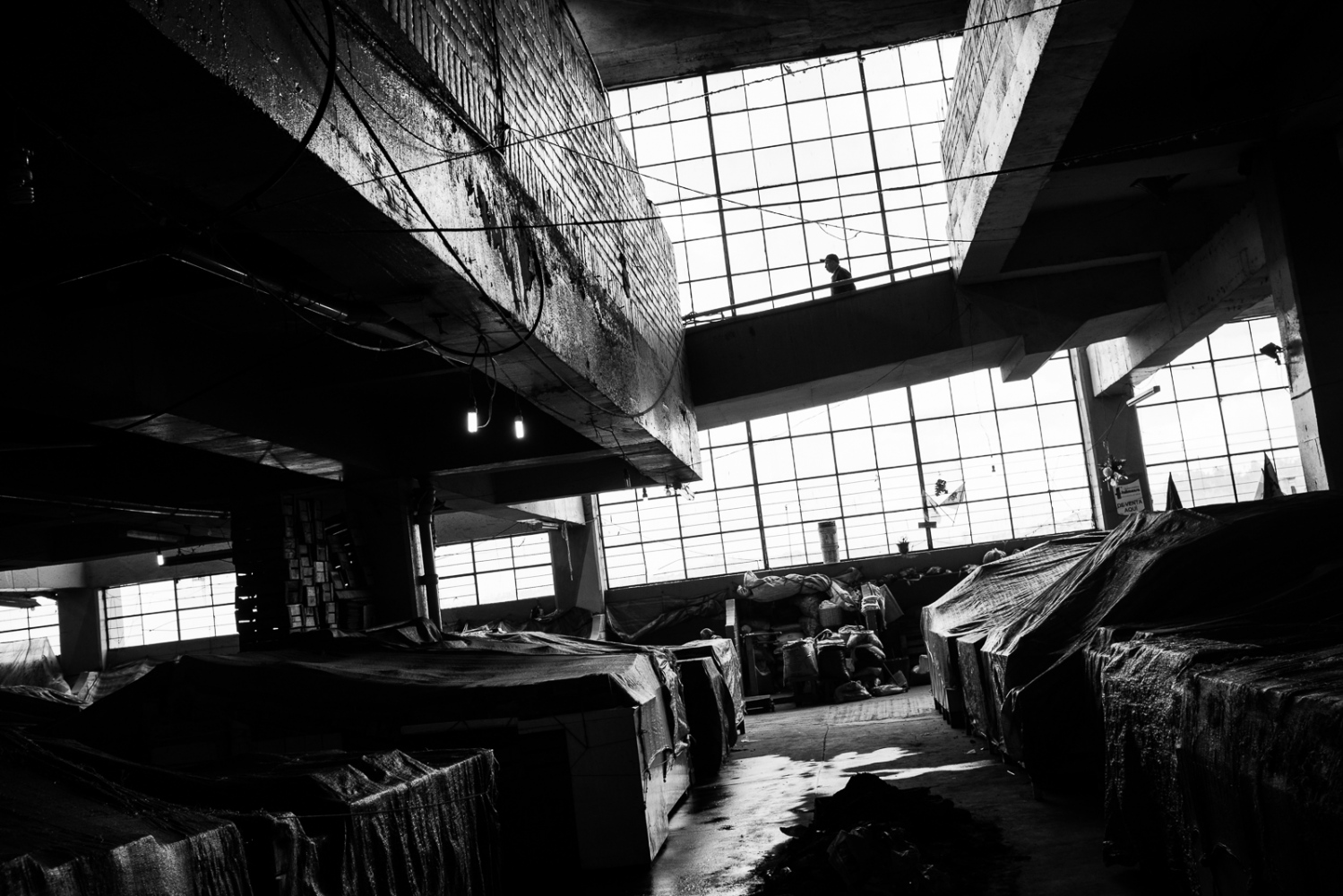 Art and Documentary Photography - Loading guerra_mercado_17.jpg
