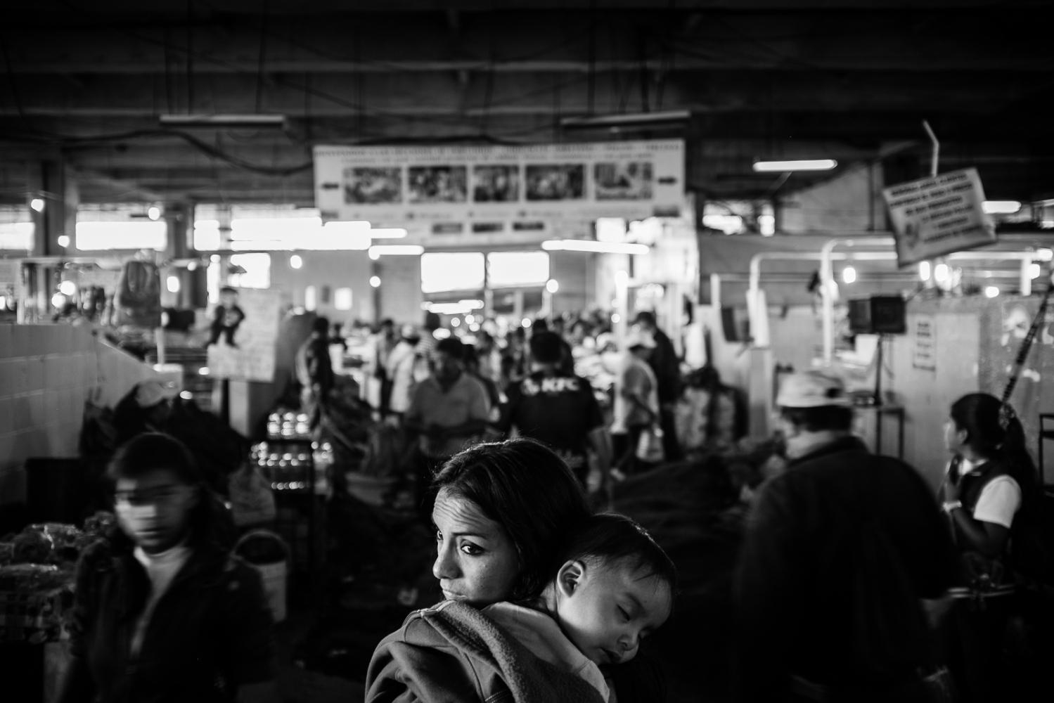 Art and Documentary Photography - Loading guerra_mercado_19.jpg