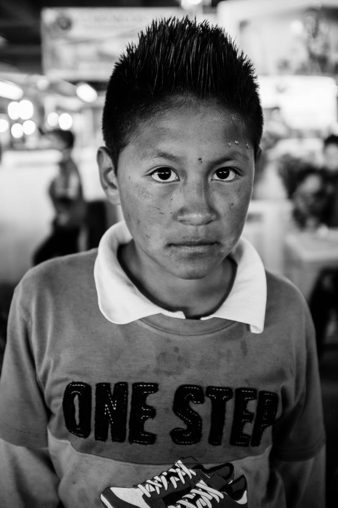 Art and Documentary Photography - Loading guerra_mercado_25.jpg
