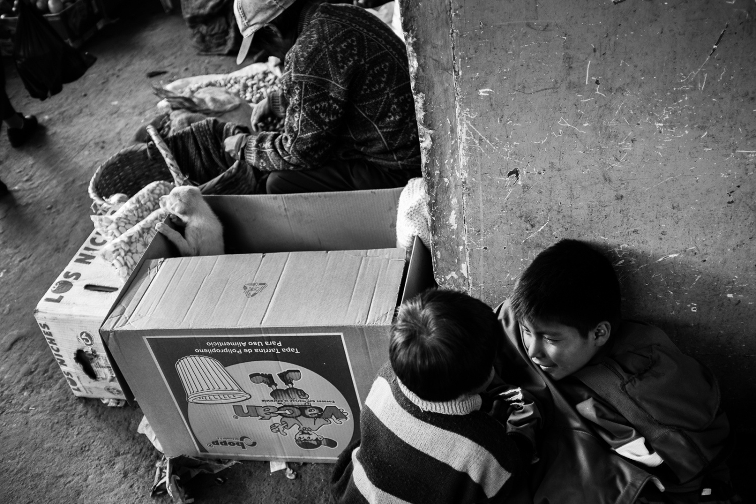 Art and Documentary Photography - Loading guerra_mercado_26.jpg