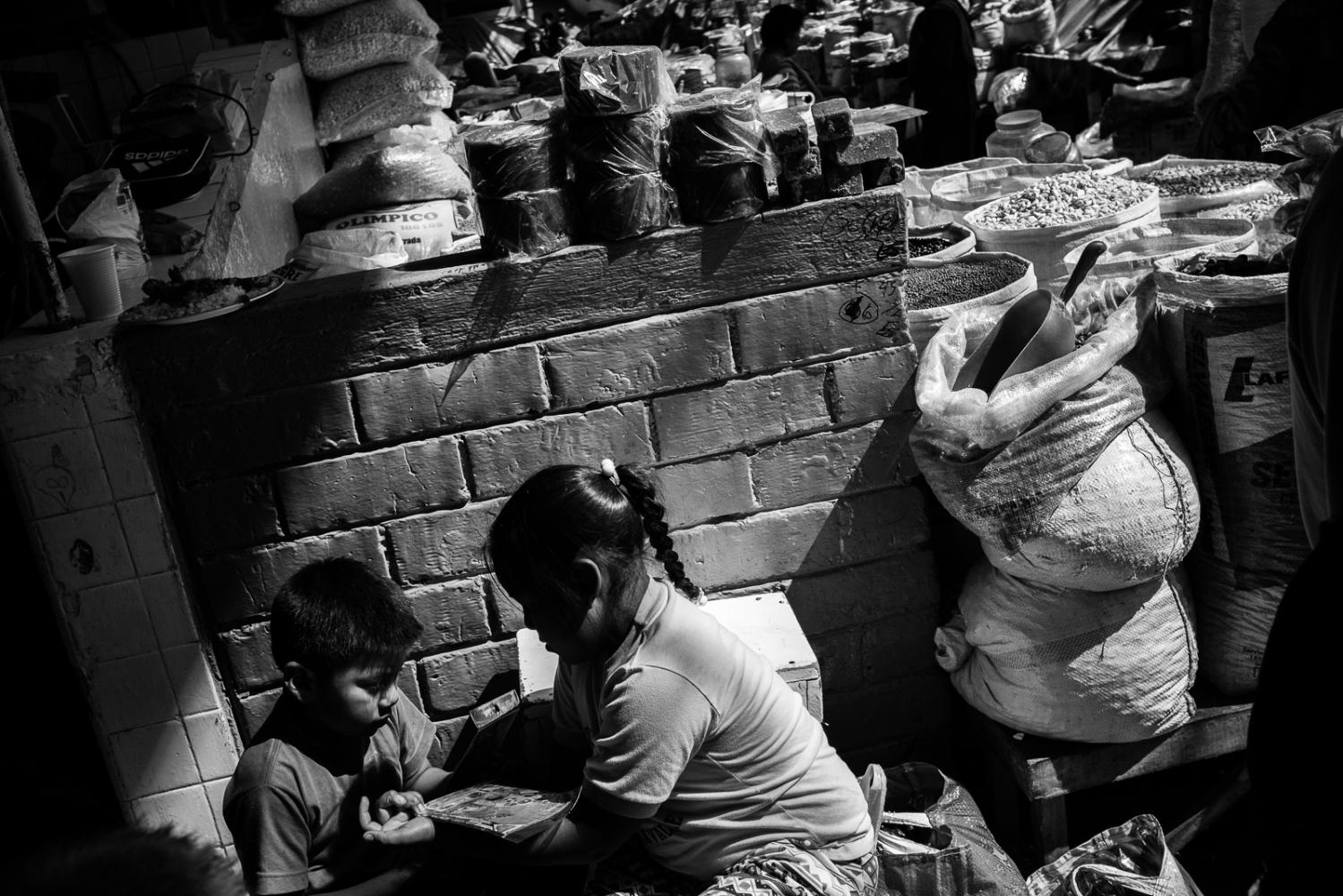 Art and Documentary Photography - Loading guerra_mercado_27.jpg